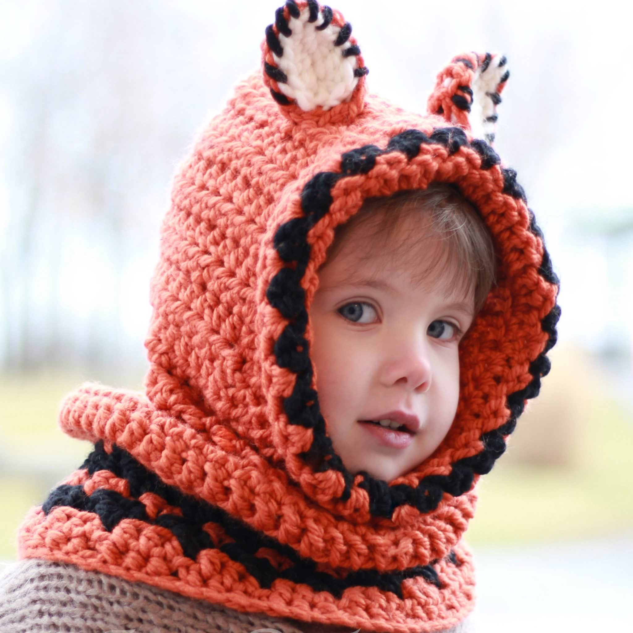 Frankie Fox Hooded Cowl - Crochet pattern - The Easy Design