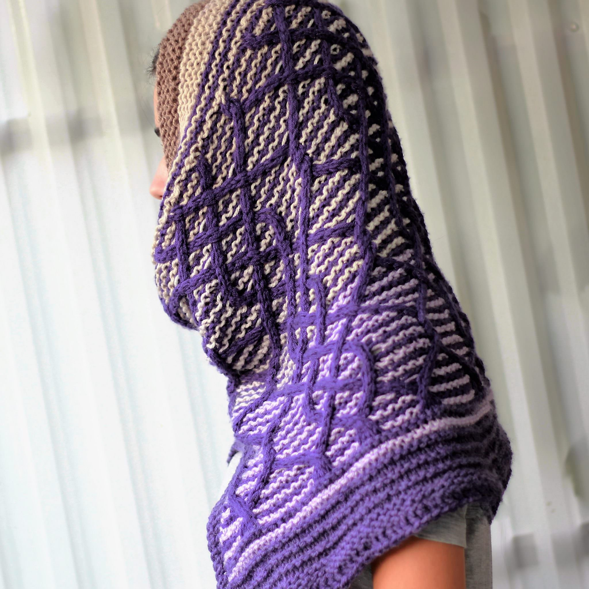 cadence / HOODED COWL - KNITTING PATTERN - The Easy Design
