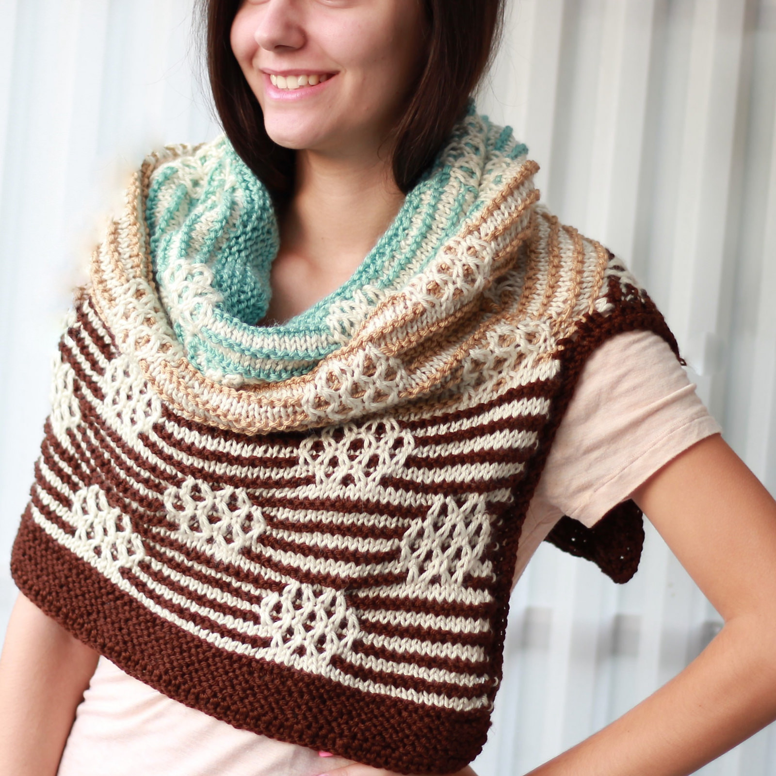 Serenity / hooded cowl - KNITTING PATTERN - The Easy Design